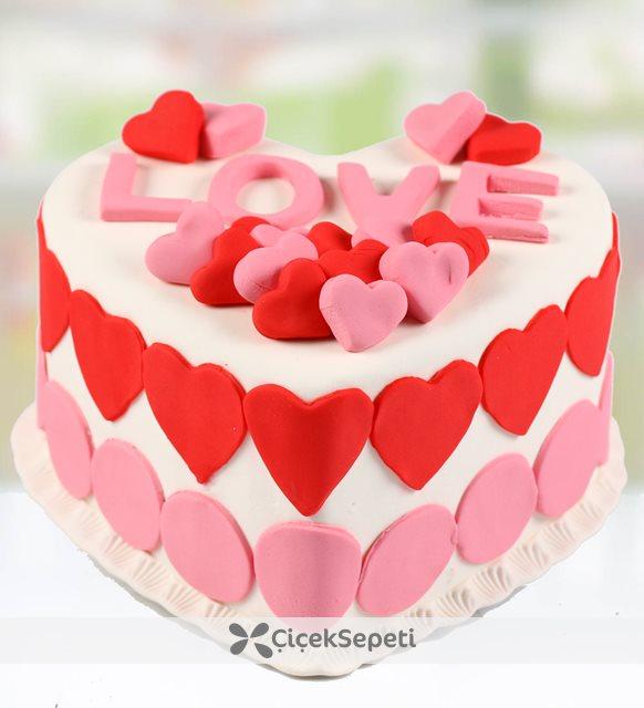 love yazılı pasta