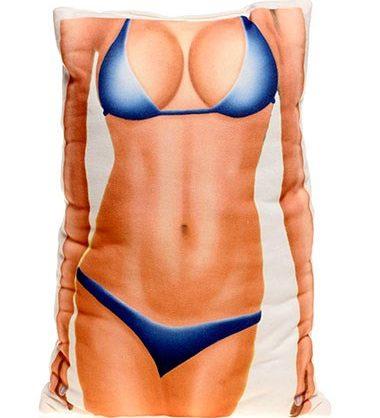 bikinili kadın vücudu yastık