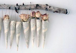 duvarda çiçek