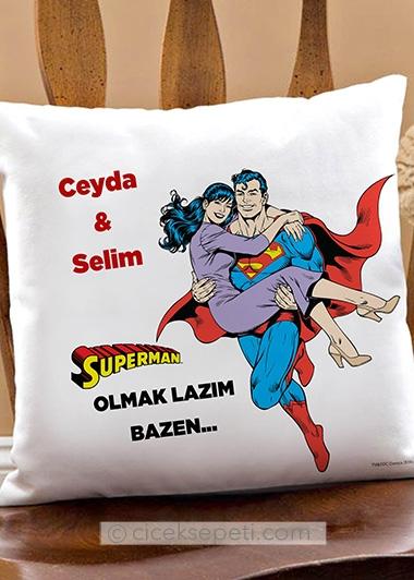 super-kahraman-yastik