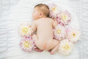 yeni doğan bebek için çiçek