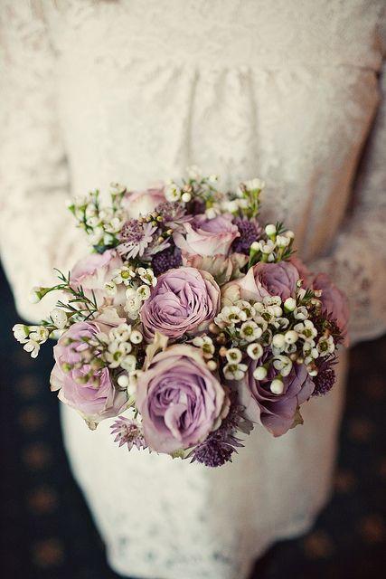eflatun gül düğün çiçeği