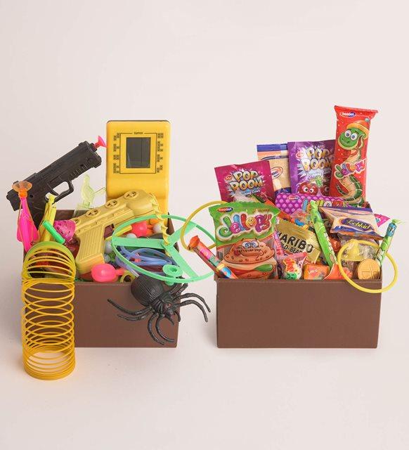 nostaljik-lezzetler-ve-oyuncaklar-bir-arada-hf7500-1-1