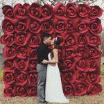 flores-de-papel-gigantes-na-decoracao-de-casamentos-2
