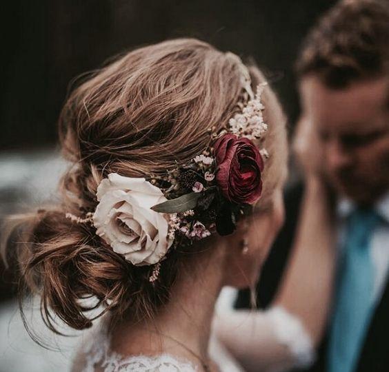 çiçekli saç