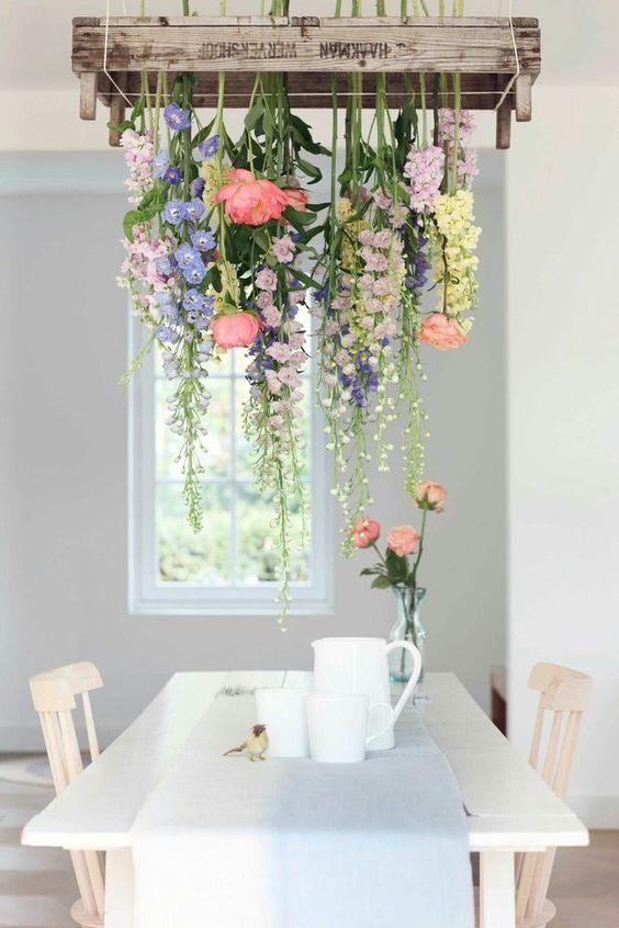 sebze kasasında çiçekli avize