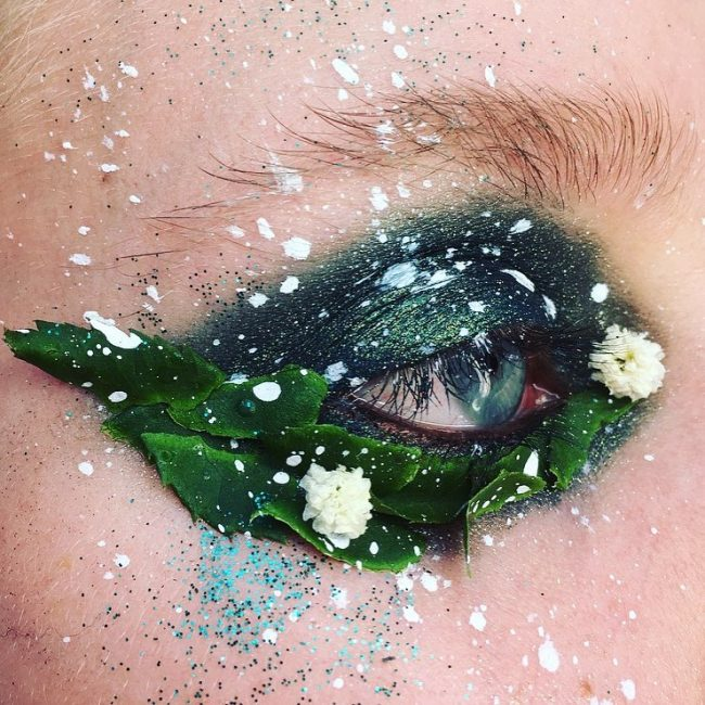 çiçekli göz makyajı