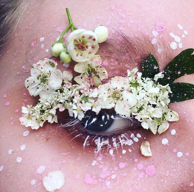 çiçekli makyaj