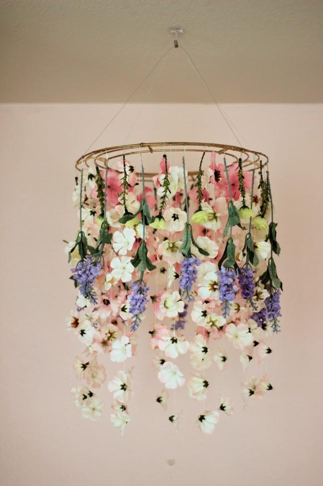 yapay çiçekle avize