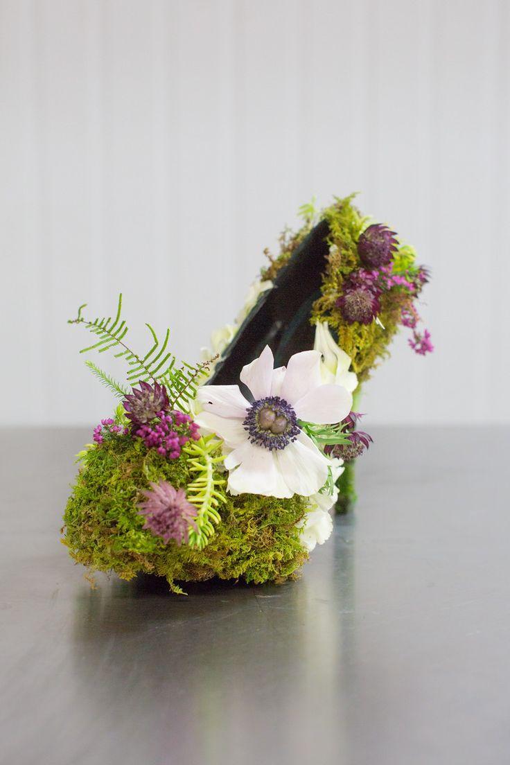 çiçekten ayakkabı