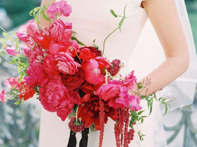 Zarif Gelinlikler ve Gelin Çiçekleri