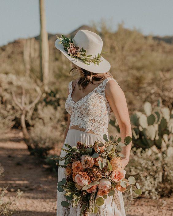 Çiçek Süslemeli Şapka