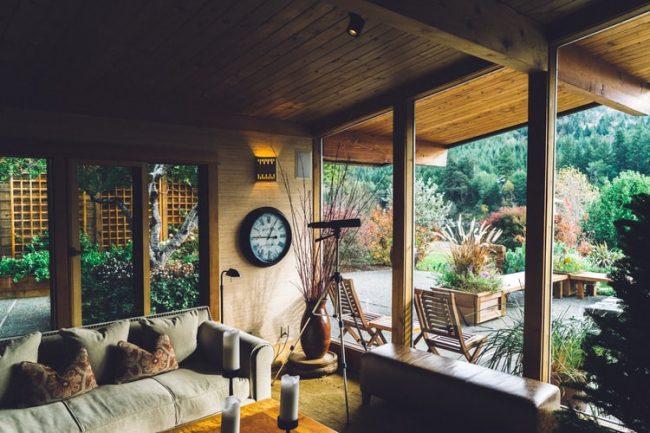 Ev Dekorasyonunu Yenilemek Yaza Hazırlık İçin Bir Aşamadır