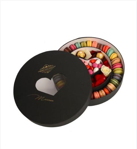 Siyah Kutuda Gökkuşağı Makaron Ferrero Rocher Ve Badem Şeker