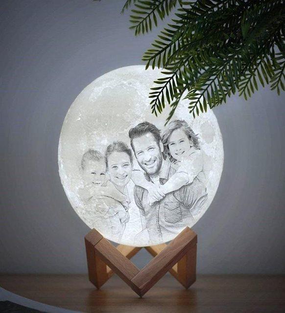 Fotoğraflı ay lamba