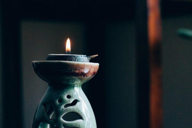 Uyku düzeni için aromaterapi ve yoga