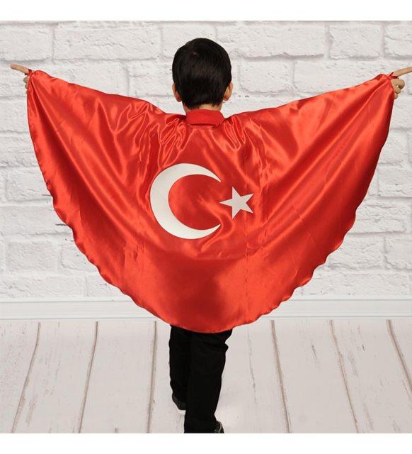 Türk bayraklı pelerin