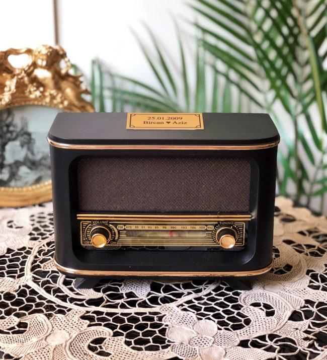Ahşap radyo