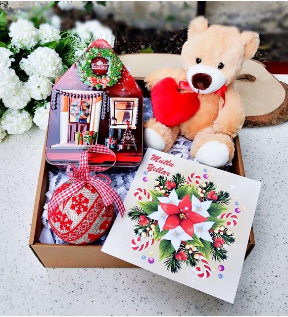 Kırmızı hediye seti