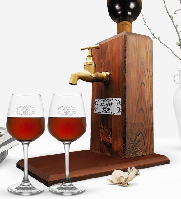 Sevgililer Günü için ilgin hediye - şarap standı