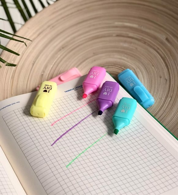 Ajanda, kalem ve takvim - keçeli kalem