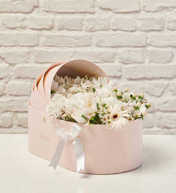 Via Bonte - White Dream Baby Basket with Flowers