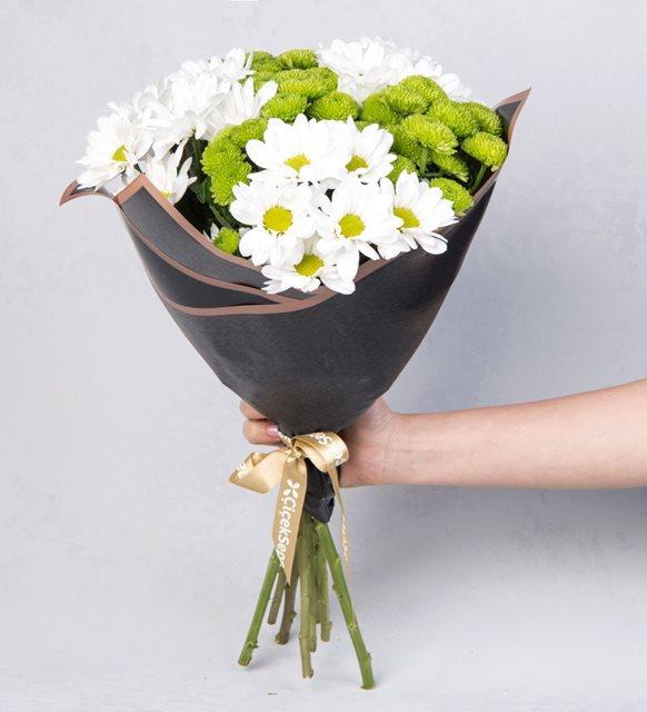 Dünya mutluluk günü çiçek hediye