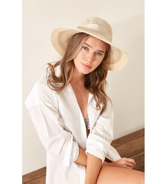 Mayo ve bikini seçimi - plaj şapkası