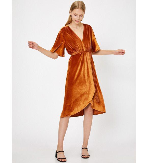 Bayrama özel kıyafet önerileri - beli bağlamalı elbise