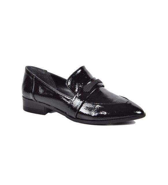 Monokrom giyim - Günlük siyah ayakkabı