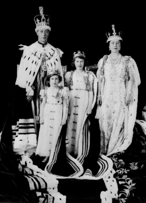 Kraliyet Takıları